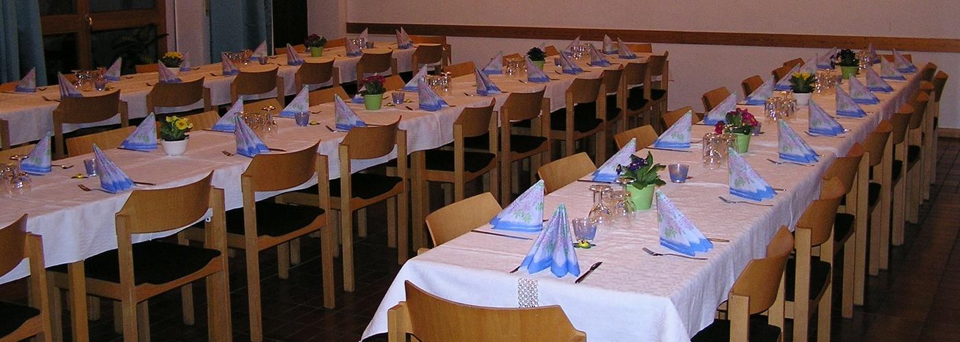 Gemeindesaal Feier